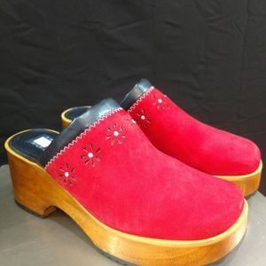 Tommy Hilfiger Daisy Suede 8 1/2 Clogs/Mules